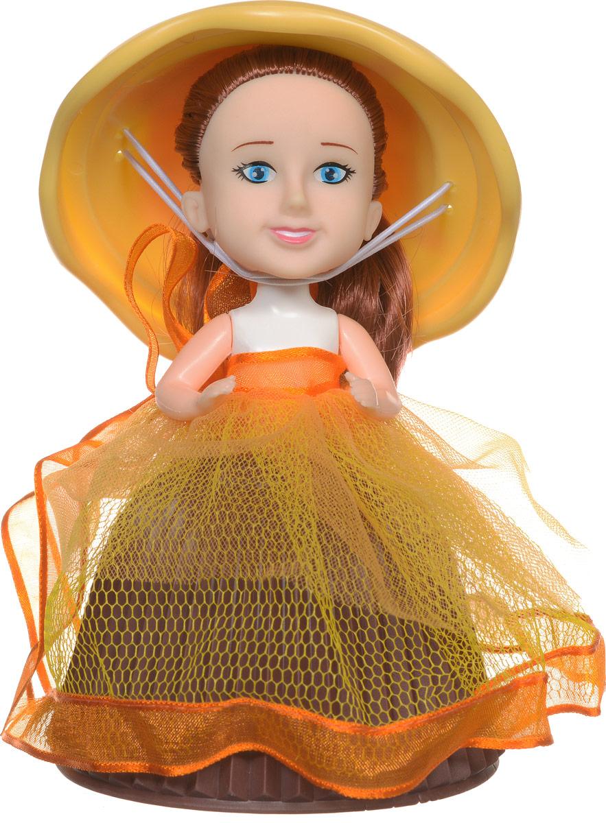 PlayMind Мини-кукла Margie Mango39185B_коричневый, желтыйМини-кукла PlayMind Margie Mango - это уникальная кукла-капкейк, которая непременно понравится вашей малышке. При помощи несложной трансформации яркий аппетитный кекс превращается в чудесную куколку, а верхушка кекса становится для нее элегантной шляпкой. Голова и ручки куклы подвижны. Длинные мягкие волосы куклы завязаны в пучок. Малышка с удовольствием будет расчесывать их, придумывая различные прически. Соберите коллекцию уникальных кукол-пирожных!