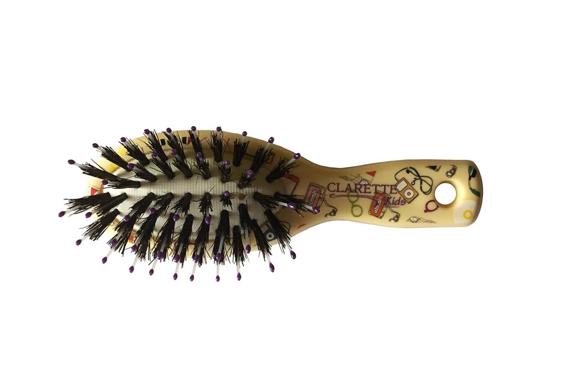 Clarette Щетка для волос мини со смешанной щетиной,желтая с принтомCLK 552Clarette представляет специально разработанную для детей коллекцию Clarette Kids . Щетка для волос мини со смешанной щетиной Натуральная щетина дикого кабана предает волосам блеск, предотвращает ломкость и сечеиие волос . Пластиковые зубья с массажными шариками на концах обеспечивают качественный массаж кожи головы, идеально прочесывает волосы.
