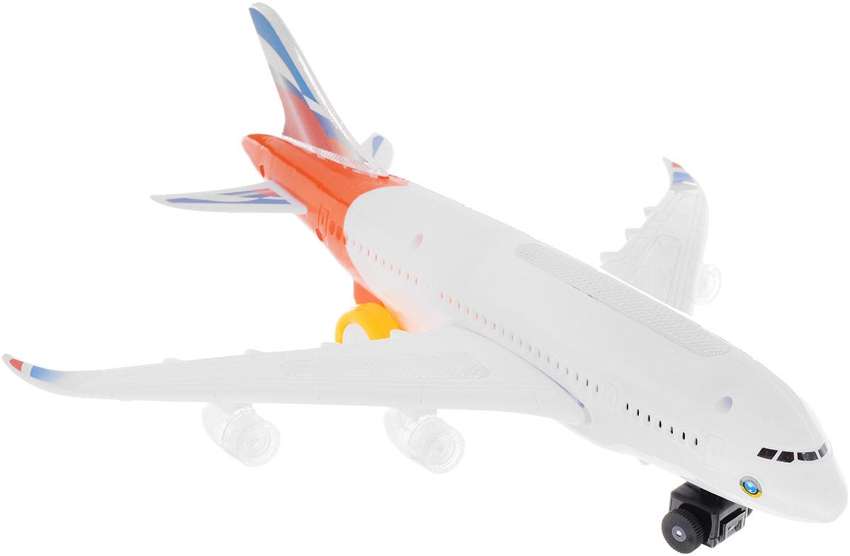 ABtoys Самолет цвет белый оранжевыйC-00117Если ваш малыш увлекается воздушными видами транспорта, любит летать на самолетах и смотреть, как они взмывают в небо, то самолет ABtoys обязательно придется по душе вашему ребенку. Он выполнен из высококачественного пластика и имеет весьма привлекательный дизайн. Белый самолет может, как летать (конечно же, при помощи рук ребенка), так и кататься по земле, ведь у него имеются достаточно крупные шасси. Если активировать механизм, то игрушка будет издавать звуки, характерные настоящему самолету при взлете, а также мигать лампочками! Порадуйте свою непоседу таким подарком! Необходимо купить 3 батарейки напряжением 1,5V типа АА (не входят в комплект).