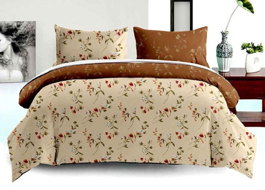 Комплект белья Primavera Classic Ромашки, 1,5-спальный, наволочки 70x7088257Комплект постельного белья Primavera Classic Ромашки является экологически безопасным для всей семьи, так как выполнен из высококачественного сатина (100% хлопка). Комплект состоит из пододеяльника на молнии, простыни и двух наволочек. Постельное белье оформлено ярким рисунком цветов и имеет изысканный внешний вид. Сатин - производится из высших сортов хлопка, а своим блеском и легкостью напоминает шелк. Постельное белье из сатина превращает жаркие летние ночи в прохладные и освежающие, а холодные зимние - в теплые и согревающие. Приобретая комплект постельного белья Primavera Classic Ромашки, вы можете быть уверенны в том, что покупка доставит вам и вашим близким удовольствие и подарит максимальный комфорт.