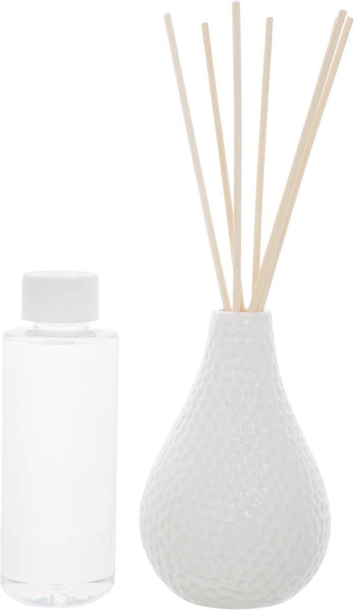 Диффузор ароматический Country Fresh Wild Cotton, 150 млNPD15002Ароматический диффузор Country Fresh Wild Cotton – это простое, изящное и долговременное решение, как наполнить дом или офис приятным запахом. В комплект входит керамическая ваза, семь ротанговых палочек и сосуд с ароматической жидкостью. Диффузор - это не просто освежитель воздуха, а элемент декора, который окутает вас своим приятным нежным ароматом. Отлично подойдет в качестве подарка. Способ применения: поместите ротанговые палочки в керамическую вазу с ароматической жидкостью. Степень интенсивности запаха может регулироваться объемом ароматической жидкости и количеством палочек. Ароматическая жидкость не содержат спирта. Высота вазы: 12 см. Диаметр вазы (по верхнему краю): 2см. Длина палочек: 12 см. Товар сертифицирован.