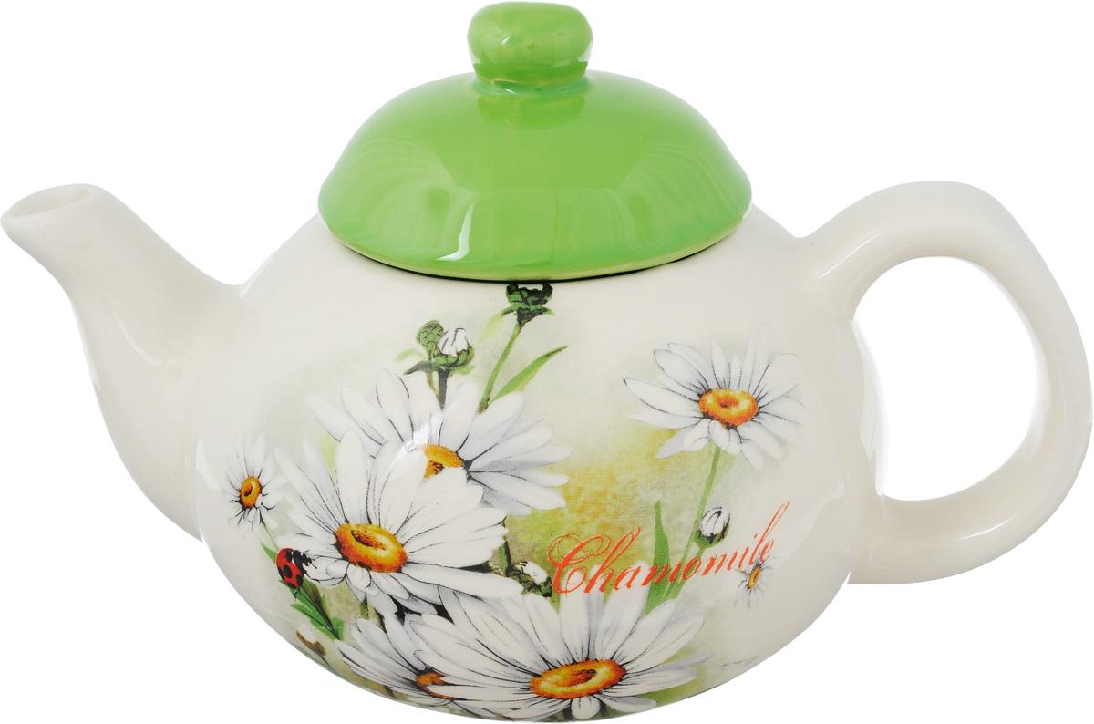 Чайник заварочный Loraine Ромашки, 700 мл23768Заварочный чайник Loraine Ромашки изготовлен из керамики. Яркий цветочный рисунок придает чайнику особый шарм, он удобен в использовании и понравится каждому. Гладкая и идеально ровная поверхность обеспечивает легкую очистку. Такой заварочный чайник станет приятным и практичным подарком на любой праздник. Можно использовать в микроволновой печи и посудомоечной машине. Высота чайника (без учета крышки): 9 см. Высота чайника (с учетом крышки): 13 см. Диаметр основания: 6,5 см. Диаметр по верхнему краю: 7,5 см.