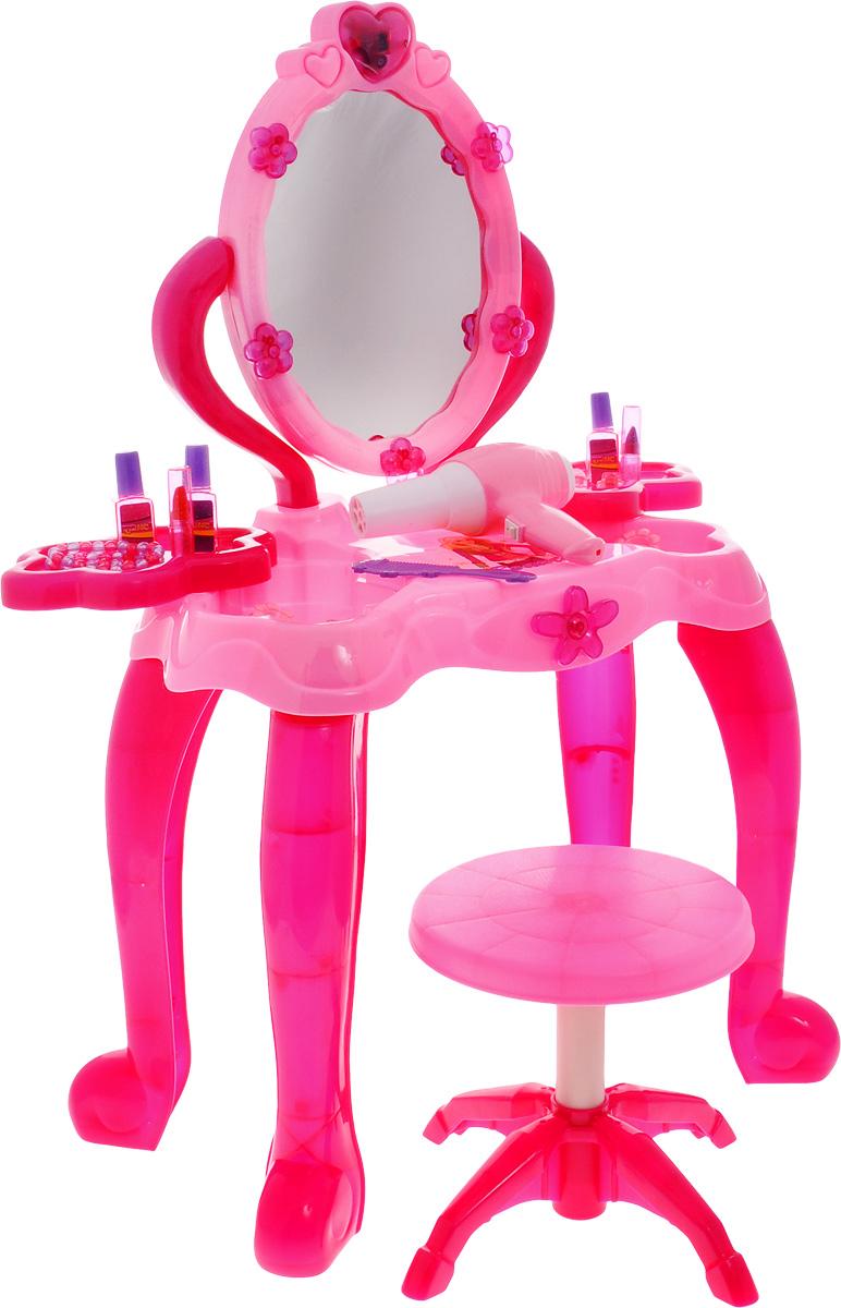 ABtoys Игрушечный туалетный столик PT-00249PT-00249Игрушечный туалетный столик ABtoys поможет вашей девочке стать настоящей леди. Он включает в себя восхитительный туалетный столик, стул и множество аксессуаров (резинки для волос, расческу, 2 браслета, 3 кольца, 2 помады, 3 флакона), благодаря которым игра станет еще интереснее. Ваша девочка будет учиться делать подчеркнутый макияж и изумительные прически, совмещая это все в веселой игре. Туалетный столик оснащен звуковыми и световыми эффектами. Проведите рукой возле сердечка на верхней части зеркала, и вы увидите все 5 изображений девушек поочередно. Для туалетного столика необходимо купить 3 батарейки типа АА (не входят в комплект). Для работы фена необходимо купить одну батарейку типа АА (не входит в комплект).