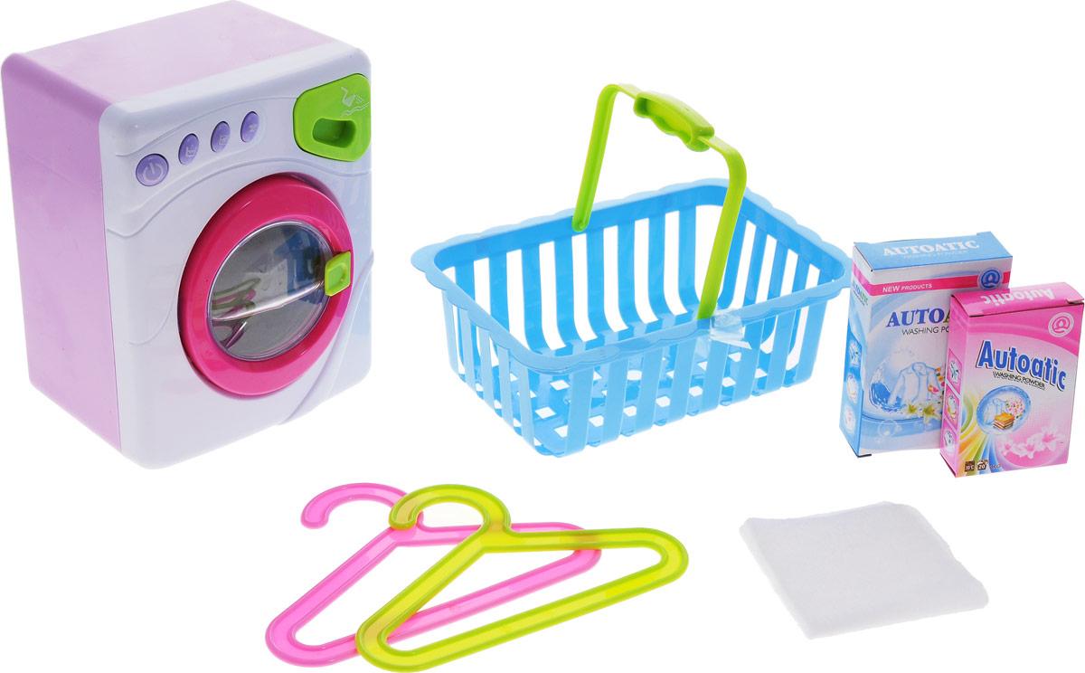 ABtoys Стиральная машинаPT-00230Игрушечная стиральная машина ABtoys создана для юных хозяюшек в возрасте от трех лет. С ней девочка сможет воображать, как она помогает маме стирать одежду. Игрушка снабжена реалистичными звуковыми и световыми эффектами, благодаря которым игра с ней становится еще более интересной и увлекательной. Открывающаяся дверца наполовину заполнена водой, которая имитирует уровень жидкости в стиральной машине. Поддон для стирального порошка выдвигается. При работе машинки вращается барабан, горят огоньки над кнопочками, имитируются звуки заполнения водой, стирки, отжима. По окончании стирки раздается звуковой сигнал. С помощью кнопок, расположенных на панели управления, можно включать разные режимы работы. В комплекте со стиральной машиной идет корзина для белья, две коробки стирального порошка, две вешалки. Для работы игрушки необходимы 3 батарейки типа АА напряжением 1,5V (не входят в комплект).