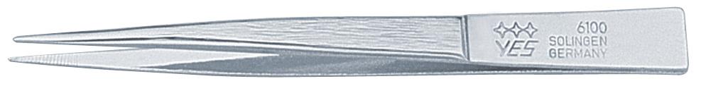 Becker-Manicure YES Пинцет. 9610096100Пинцет имеет острые кончики, что позволяет легко захватывать одиночные волоски, не повреждая кожу. Пинцет изготовлен из высокоуглеродистой стали и предназначен для коррекции бровей, удаления волос и заноз. Длина пинцета 8 см. Хранить в сухом недоступном для детей месте. Срок годности не ограничен. Замена изделия не осуществляется в следующих случаях: - Использование не по назначению - Самостоятельный ремонт - Нарушение условий хранения