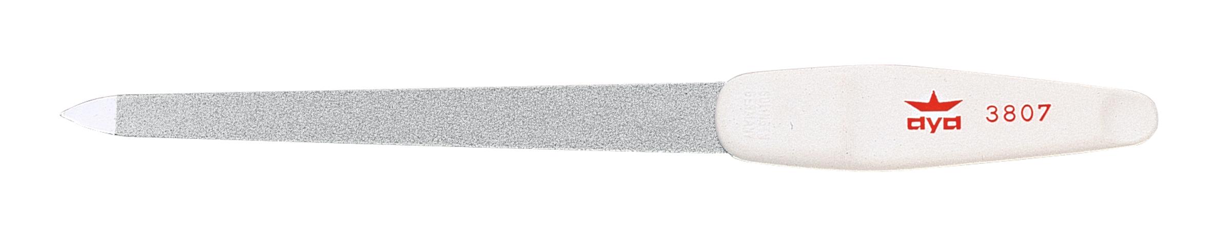 Becker-Manicure AYA Пилочка для ногтей 18см. 9380793807Пилочка двусторонняя, с одной стороны сапфировое напыление более крупное для придания ногтю формы, с другой более мелкое для завершения шлифовки ногтя. Длина пилочки 18 см Хранить в сухом недоступном для детей месте. Срок годности не ограничен. Замена изделия не осуществляется в следующих случаях: - Использование не по назначению - Самостоятельный ремонт - Нарушение условий хранения
