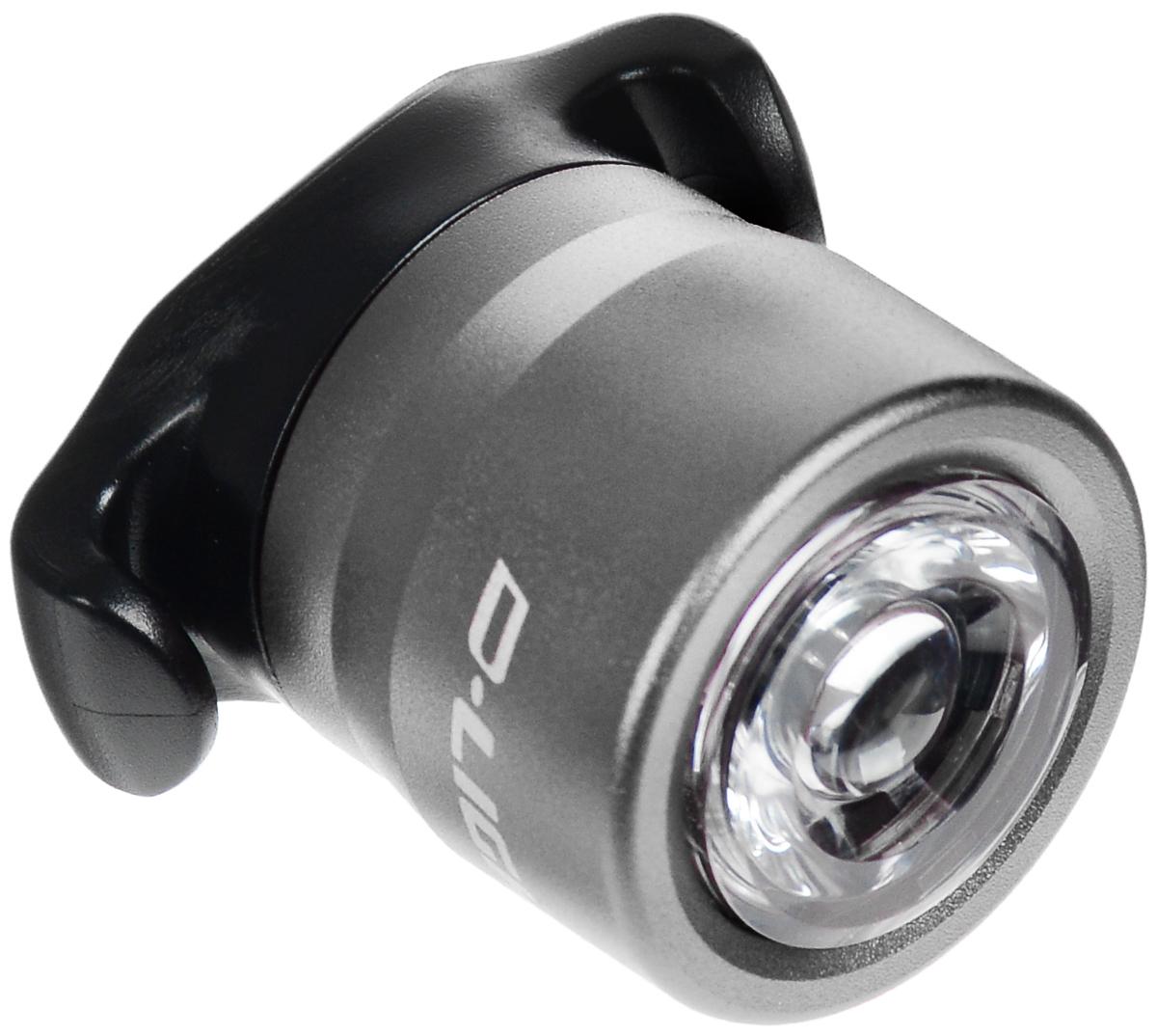Фонарь велосипедный D-Light CG-212W, габаритный, передний, цвет: серебристый, черныйCG-212W-SilverПередний габаритный велофонарь D-Light CG-212W предназначен для обеспечения большей безопасности при поездках в темное время суток. Он легко крепится и снимается без дополнительных инструментов. Корпус изделия выполнен из прочного алюминия. Фонарь имеет 2 режима: мигание и постоянное свечение. Он водонепроницаем, имеет один SMD белый светодиод. Фонарь питается от 2 батарей типа CR2032 (входят в комплект). Время свечения: 30 ч. Время мигания: 90 ч. Диаметр фонаря: 2,7 см. Высота фонаря: 3,5 см.