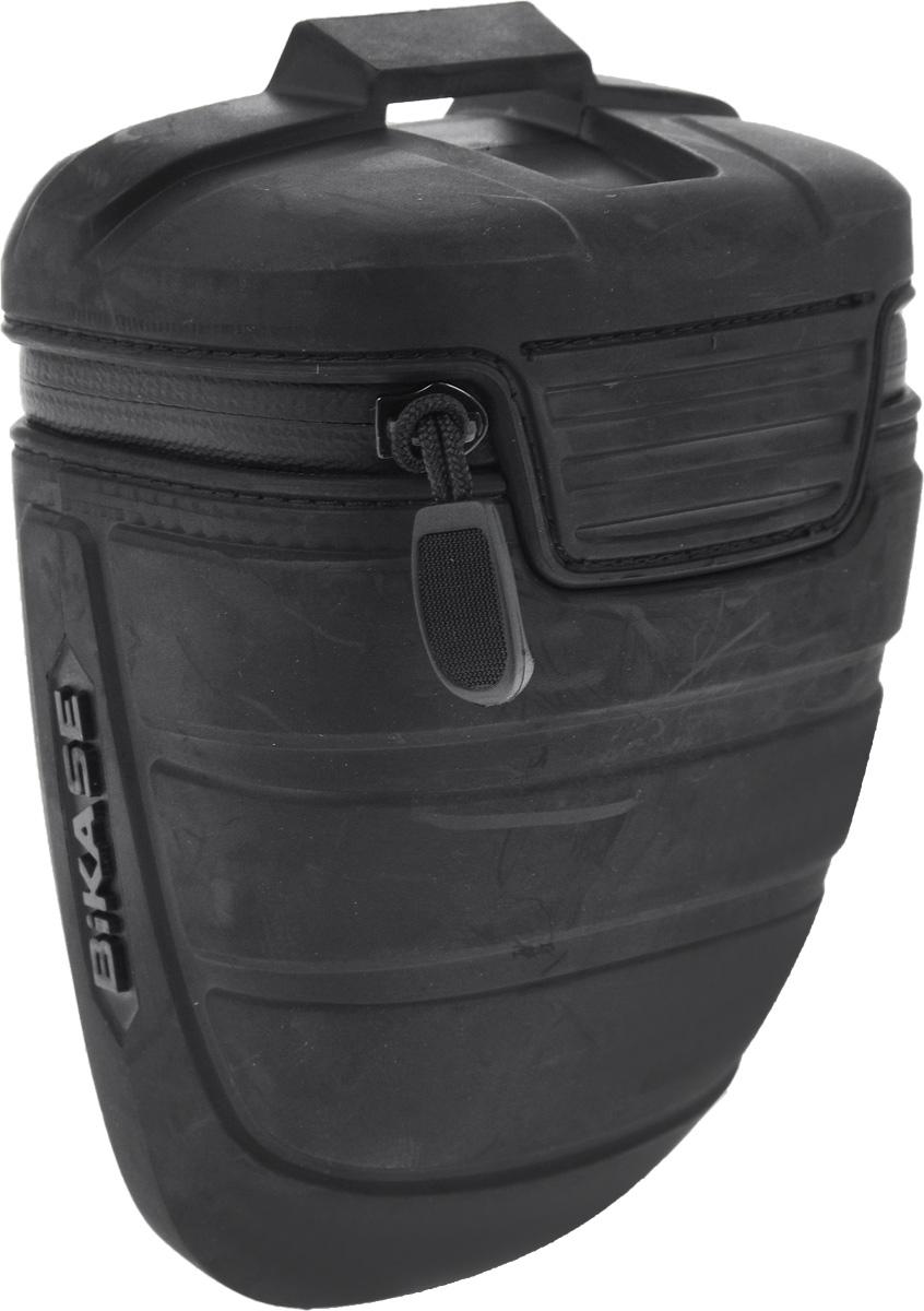 Велосумка под седло BiKase Wasp, 16 х 10 х 8,5 смPN1061Велосумка BiKase Wasp выполнена из высококачественного термопластичного полиуретана с водонепроницаемой застежкой-молнией. Изделие крепится под седло велосипеда при помощи регулируемого кронштейна для металлических и карбоновых направляющих. Внутри сумки имеется одно отделение, сетчатый карман и эластичный фиксатор- держатель для фонаря. Размер сумки (без учета кронштейна): 16 х 10 х 8,5 см.