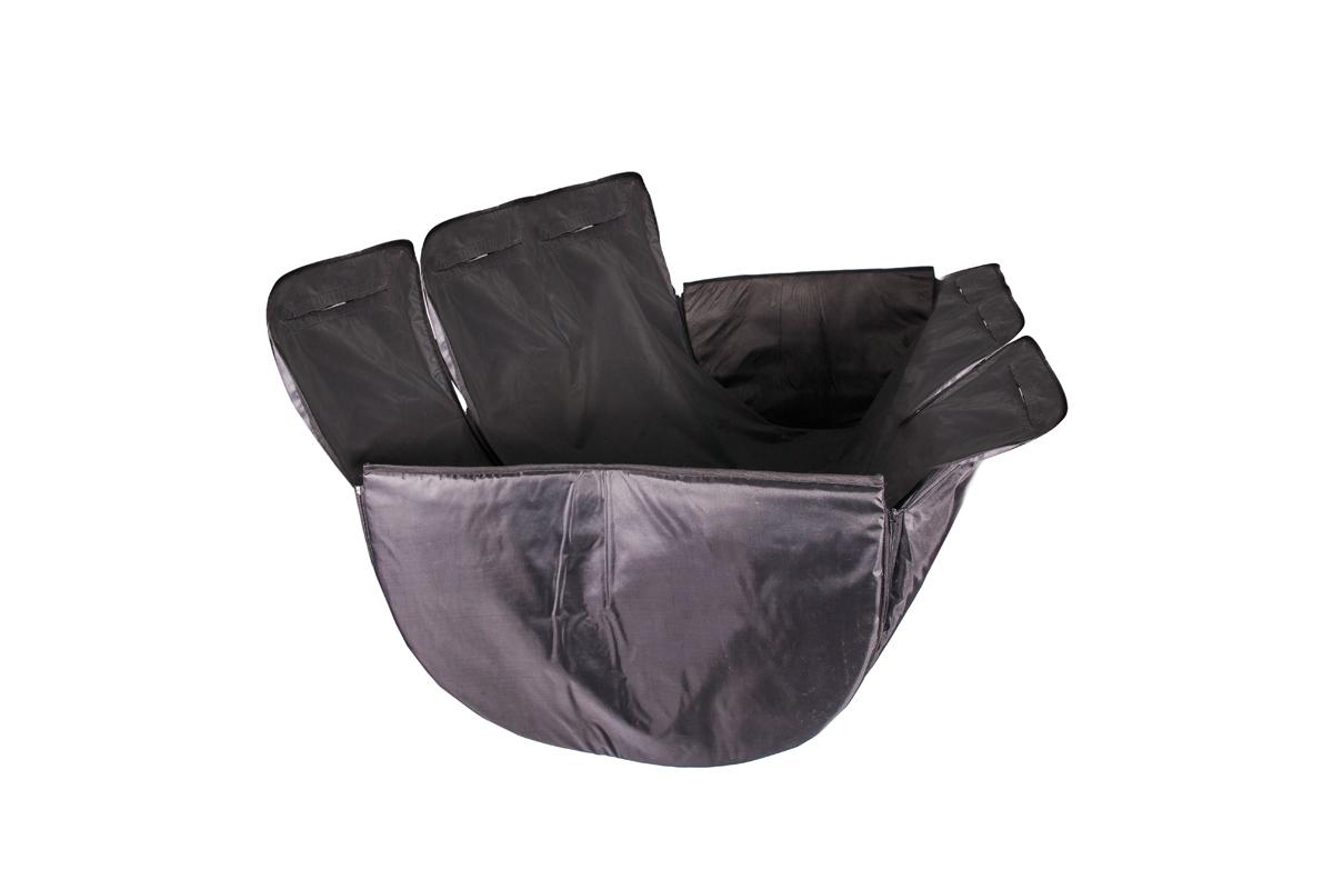 Автогамак AvtoTink для животных с жесткой боковой защитой73003Изготовлен из дублированной, водостойкой, морозоустойчивой нецарапающейся ткани на подкладке из Oxford 420. Автогамак AvtoTink с защитой обивки дверей – это 3 автогамака в одном: – вы можете его использовать на полное сидение, на 1/3 сидения, на 2/3 сидения и в багажнике, достаточно только перестегнуть боковые части гамака. Автогамак AvtoTink с защитой обивки задних дверей имеет ряд преимуществ: – легко монтируется между передними и задними сиденьями любой марки автомобиля, его можно устанавливать в багажном отделении салона (автомобилей с кузовом «универсал» или внедорожников) – конструкция автогамака AvtoTink с защитой обивки задних дверей предохраняет от загрязнений сидения, обивку салона и обивку дверей – идеально подходит для собак всех пород, не вызывает раздражения у животных – конструкция гамака надежно защищает питомца во время поездок (движения/торможения) – собака уже не соскользнет с заднего сидения даже при резком торможении – а также ограничивает её передвижение по...