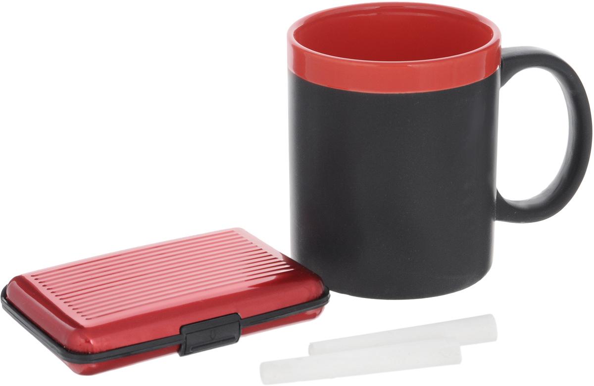 Набор подарочный Феникс-Презент Magic Home: кружка, мелки, визитница, цвет: черный, красный41177Подарочный набор Феникс-Презент Magic Home включает в себя кружку с поверхностью, на которой можно писать, визитницу и 2 мелка. Кружка выполнена из высококачественной керамики, визитница из пластика. Визитница оснащена 6 отсеками для визиток и карточек. Закрывается на пластиковую защелку. Такой набор будет отличной находкой для себя или подарком для друга. Объем кружки: 300 мл. Диаметр кружки: 8 см. Высота кружки: 9,7 см. Размер визитницы: 11 х 7,5 х 1,8 см. Длина мелков: 7 см.