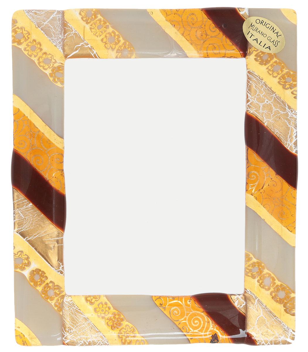Murano! Рамка для фото. Муранское стекло, ручная работа. Murano, Италия (Венеция)ОС27214Рамка для фото. Муранское стекло, ручная работа. Murano, Италия (Венеция). Маркировка: оригинальная этикетка Original Murano Glass Italia. Размер: 16 х 13 см. Каждое изделие из муранского стекла уникально и может незначительно отличаться от того, что вы видите на фотографии. Превосходный подарок коллекционеру художественного стекла!