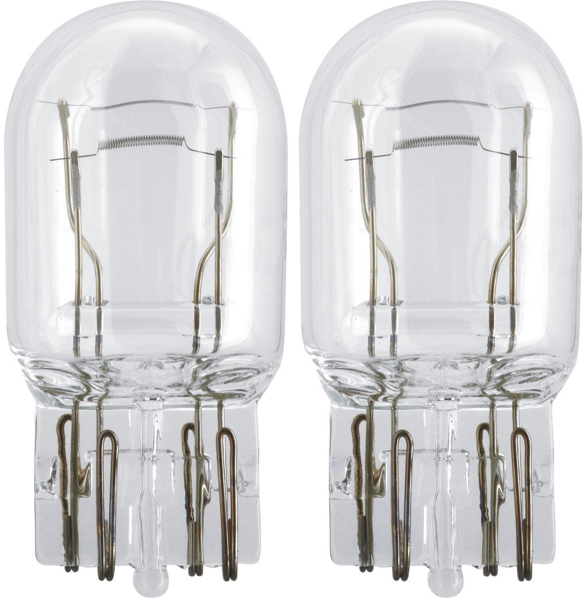 Лампа автомобильная галогенная Philips Vision, сигнальная, цоколь W21/5W, 12V, 21/5W, 2 шт12066B2 (бл.)Автомобильная лампа Philips Vision изготовлена из запатентованного кварцевого стекла с УФ- фильтром Philips Quartz Glass. Кварцевое стекло в отличие от обычного стекла выдерживает гораздо большее давление и больший перепад температур. При попадании влаги на работающую лампу, лампа не взрывается и продолжает работать. Лампа Philips Vision производит на 30% больше света по сравнению со стандартной лампой, благодаря чему стоп-сигналы или указатели поворота будут заметны с большего расстояния. Лампа Philips Vision отличается высокой эффективностью, соответствуя всем современным требованиям.