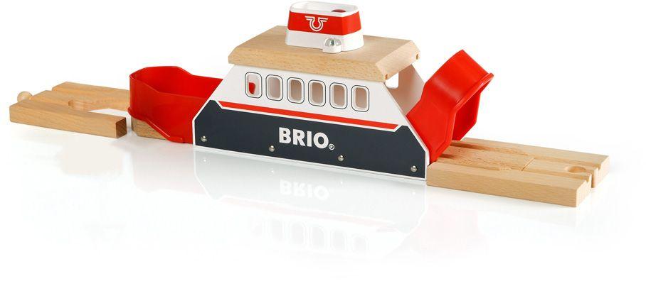 Brio Паром33569Дополнительный элемент для развития железной дороги в виде парома с подсветкой и звуком на батарейках (2хLR44 входят в набор).