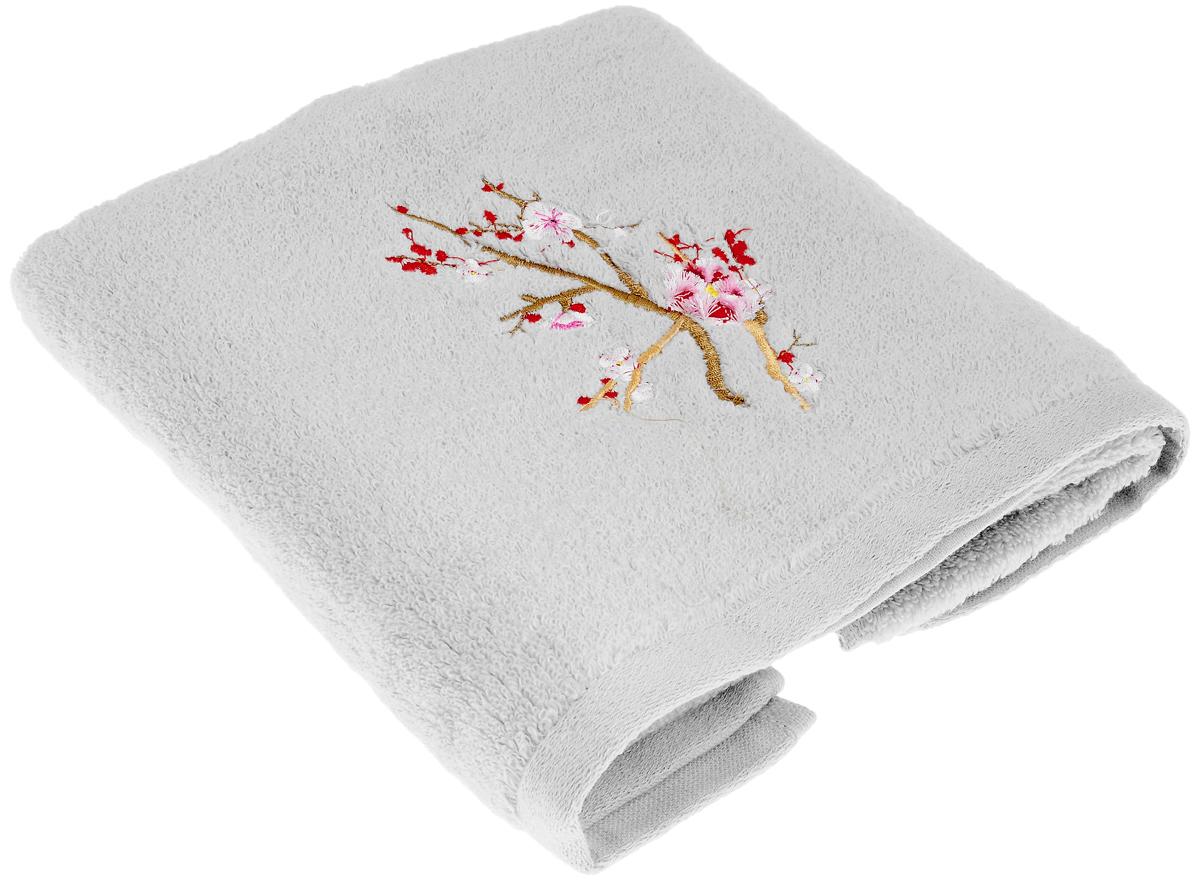 Полотенце Soavita Spring, цвет: серый, 50 х 90 см63985Полотенце Soavita Spring выполнено из 100% хлопка. Изделие отлично впитывает влагу, быстро сохнет, сохраняет яркость цвета и не теряет форму даже после многократных стирок. Полотенце очень практично и неприхотливо в уходе. Оно создаст прекрасное настроение и украсит интерьер в ванной комнате.