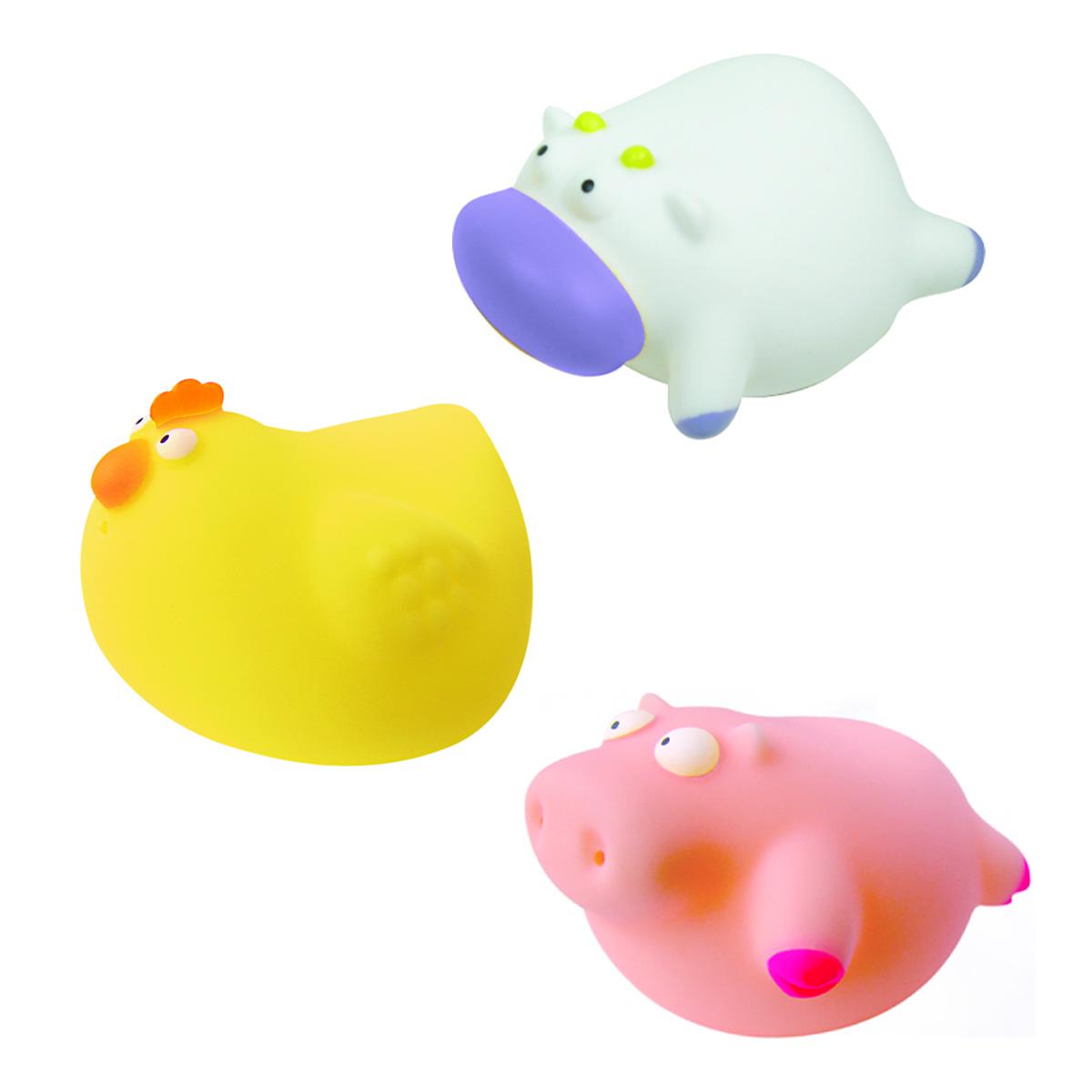 Mara Baby Набор игрушек для ванной Веселая ферма 3 шт24013С набором игрушек для ванной Mara Baby Веселая ферма принимать водные процедуры станет еще веселее и приятнее. В набор входят три игрушки - курица, корова и поросенок. Игрушки могут брызгать водой. Набор доставит ребенку большое удовольствие и поможет преодолеть страх перед купанием. Игрушки для ванной способствуют развитию воображения, цветового восприятия, тактильных ощущений и мелкой моторики рук.