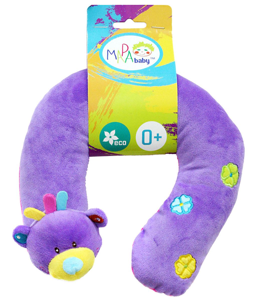Mara Baby Развивающая игрушка Мишка 2583225832Развивающие игрушки учат малыша взаимодействовать с окружающим миром, знакомят со свойствами разных предметов, помогают развивать основные рефлексы (внимание, моторику рук, цветовое восприятие). Развивающую игрушку подушку Мишка можно надеть ребенку шею так ему будет удобнее спать, подушка снимаем напряжение на шею. Так же в игрушке есть погремушка. Игрушка привлекает внимание и способствует развитию слуха и зрения.
