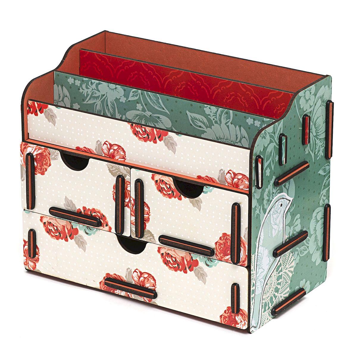Органайзер для косметики и украшений Homsu Цветы, 24 x 14 x 19 смHOM-337Настольный органайзер Homsu Цветы выполнен из МДФ и собирается из съемных деталей. Изделие подходит для косметики и украшений. Органайзер имеет 3 выдвижных ящичка и 3 секции для хранения косметики, парфюмерии и аксессуаров, его можно поставить на столе, он станет отличным дополнением интерьера. Изделие позволяет разместить все самое необходимое для женщины и всегда иметь это под рукой. Размер малого ящика: 11 х 14,5 см. Размер большого ящика: 22 х 14,5 см.