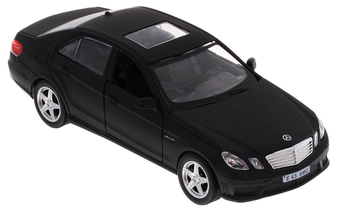 Uni-Fortune Toys Модель автомобиля Mercedes-Benz E 63 AMG цвет черный554999MМодель автомобиля Uni-Fortune Toys Mercedes-Benz E 63 AMG будет отличным подарком как ребенку, так и взрослому коллекционеру. Благодаря броской внешности и великолепной точности автомобиль станет подлинным украшением любой коллекции авто. Модель выполнена в масштабе 1/32. Модель будет долго служить своему владельцу благодаря металлическому корпусу с элементами из пластика. Передние двери машины открываются. Машинка обладает инерционным механизмом, ее необходимо отвести назад, затем отпустить - и она быстро поедет вперед. Шины обеспечивают отличное сцепление с любой поверхностью пола. Модель автомобиля обязательно понравится вашему ребенку и станет достойным экспонатом любой коллекции.