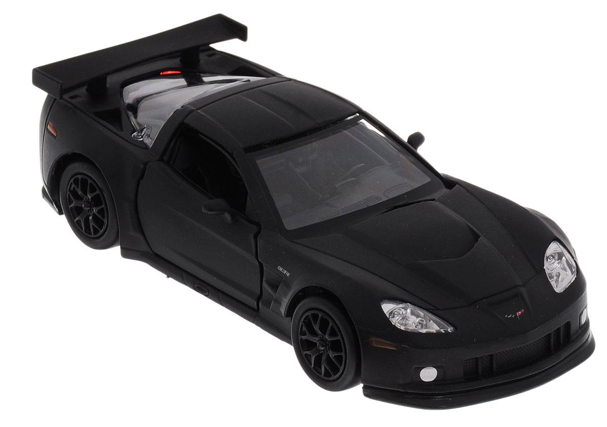 Uni-Fortune Toys Модель автомобиля Chevrolet Corvette C6-R цвет черный554003MМодель автомобиля Uni-Fortune Toys Chevrolet Corvette C6-R, выполненная из пластика и металла, станет любимой игрушкой вашего ребенка. Благодаря броской внешности, а также великолепной точности, с которой создатели этой масштабной модели передали внешний вид настоящего автомобиля, машинка станет подлинным украшением любой коллекции авто. Машинка оснащена инерционным механизмом. Необходимо отвести ее назад, затем отпустить - и она быстро поедет вперед. Шины обеспечивают отличное сцепление с любой поверхностью пола. Дверцы машинки открываются. Во время игры с такой машиной у ребенка развивается мелкая моторика рук, фантазия и воображение.