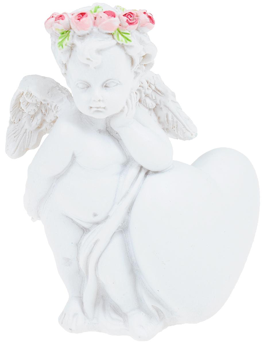 Фигурка декоративная Феникс-Презент Ангел любви в цветочках, высота 7,4 см40178Фигурка декоративная Феникс-Презент Ангел любви в цветочках, выполненная из полирезины, станет оригинальным подарком для всех любителей необычных вещей. Она выполнена в классическом стиле в виде ангела в венке из розочек, облокотившегося на сердечко. Изысканный сувенир станет прекрасным дополнением к интерьеру. Вы можете поставить фигурку в любом месте, где она будет удачно смотреться и радовать глаз.