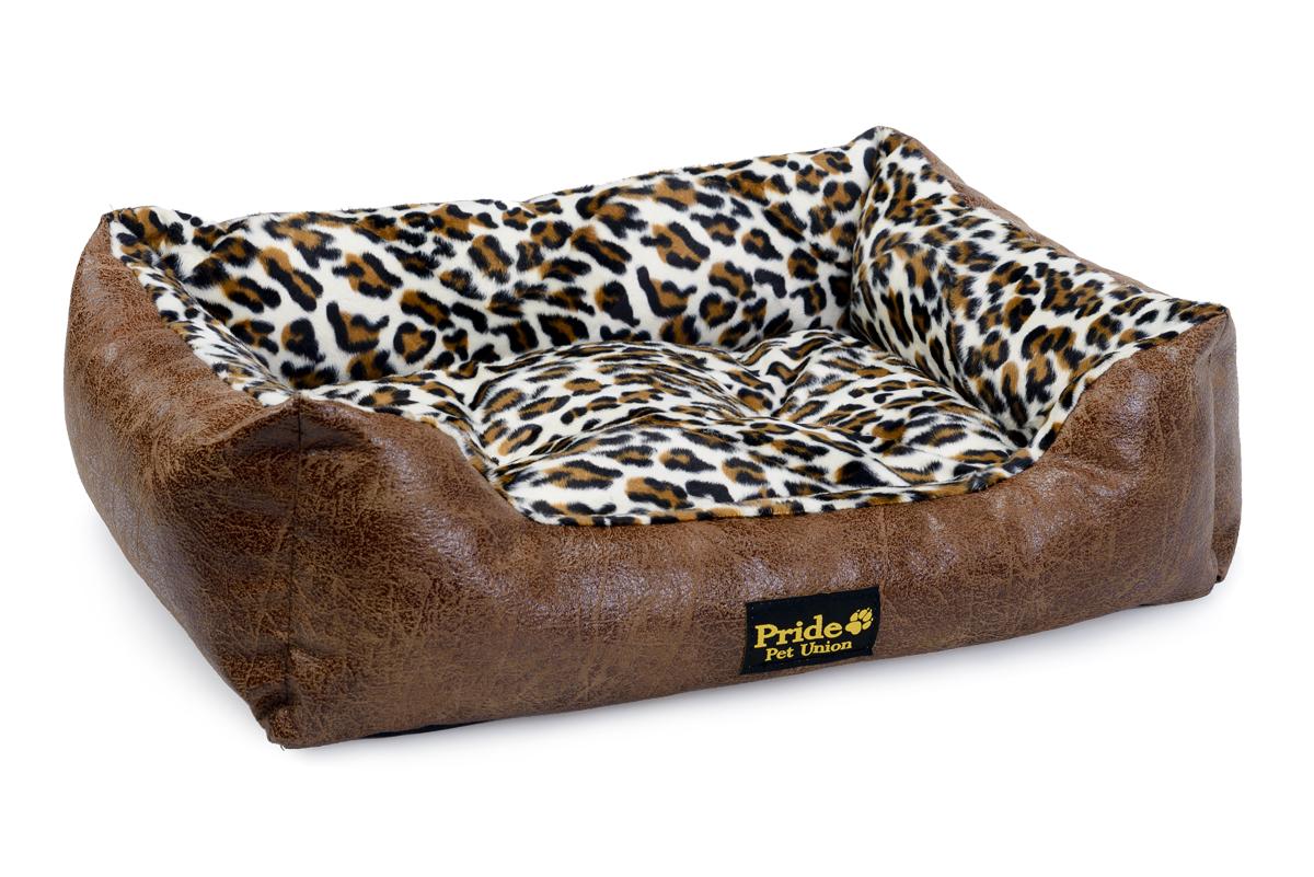 Лежак для животных Pride Гепард, цвет: коричневый, 60 х 50 х 18 см10012041Уютный лежак для животных Pride Гепард обязательно понравится вашему питомцу. В нем питомец будет счастлив, так как лежак очень мягкий и приятный. Он будет проводить все свое свободное время в нем, отдыхать, наслаждаясь удобством. Лежак выполнен из искусственной кожи, также имеется подушка, которая легко вынимается и ее можно использовать отдельно.