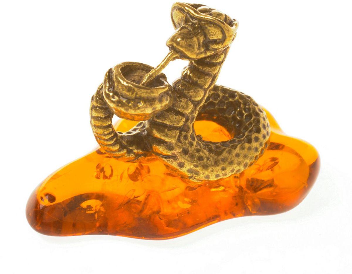 Фигурка декоративная Гифтман Змея с коктейлем, материал: латунь, искусственный янтарь. Ручная работа. 5332753327Фигурка на янтаре.