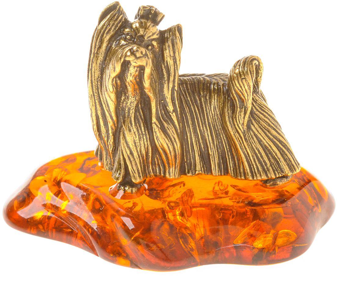 Фигурка декоративная Гифтман Собака Йоркширский терьер, материал: латунь, искусственный янтарь. Ручная работа. 5342253422Фигурка на янтаре.