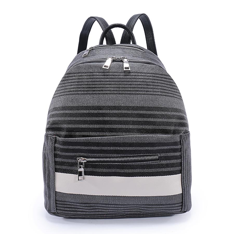Рюкзак женский Orsa Oro, цвет: серый, темно-серый. D-187/60D-187/60Стильный женский рюкзак Orsa Oro выполнен из экокожи и оформлен принтом в полоску. Модель с одним отделением застегивается на молнию с двумя бегунками. Верху под ручкой, на передней и задней стороне располагаются прорезные карманы на молнии. Внутри изделие содержит 2 накладных кармана и прорезной карман на молнии. Рюкзак декорирован ремешками с металлическими пряжками, оснащен удобными плечевыми лямками регулируемой длины, а также петлей для подвешивания.