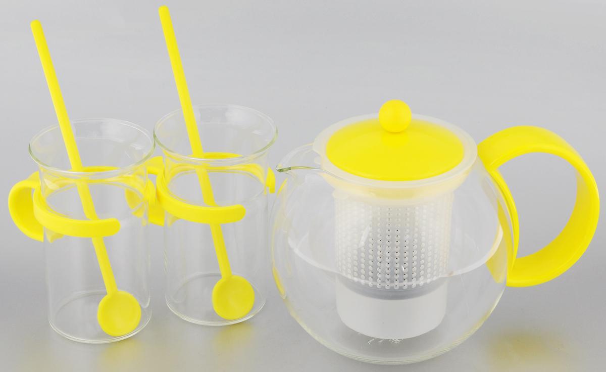 Набор чайный Bodum Assam, цвет: прозрачный, желтый, 5 предметовAK1844-XY-70ylЧайный набор Bodum Assam состоит из двух кружек, двух ложек и заварочного чайника с прессом. Изделия выполнены из высококачественного стекла и пластика. Элегантный дизайн набора придется по вкусу и ценителям классики, и тем, кто предпочитает утонченность и изысканность. Он настроит на позитивный лад и подарит хорошее настроение с самого утра. Чайный набор Bodum Assam идеально подойдет для сервировки стола и станет отличным подарком к любому празднику. Можно мыть в посудомоечной машине. Объем кружки: 300 мл. Диаметр кружки (по верхнему краю): 7,5 см. Высота кружки: 12 см. Объем чайника: 1 л. Диаметр чайника (по верхнему краю): 9 см. Высота чайника (без учета крышки): 12,5 см. Длина ложки: 20 см.