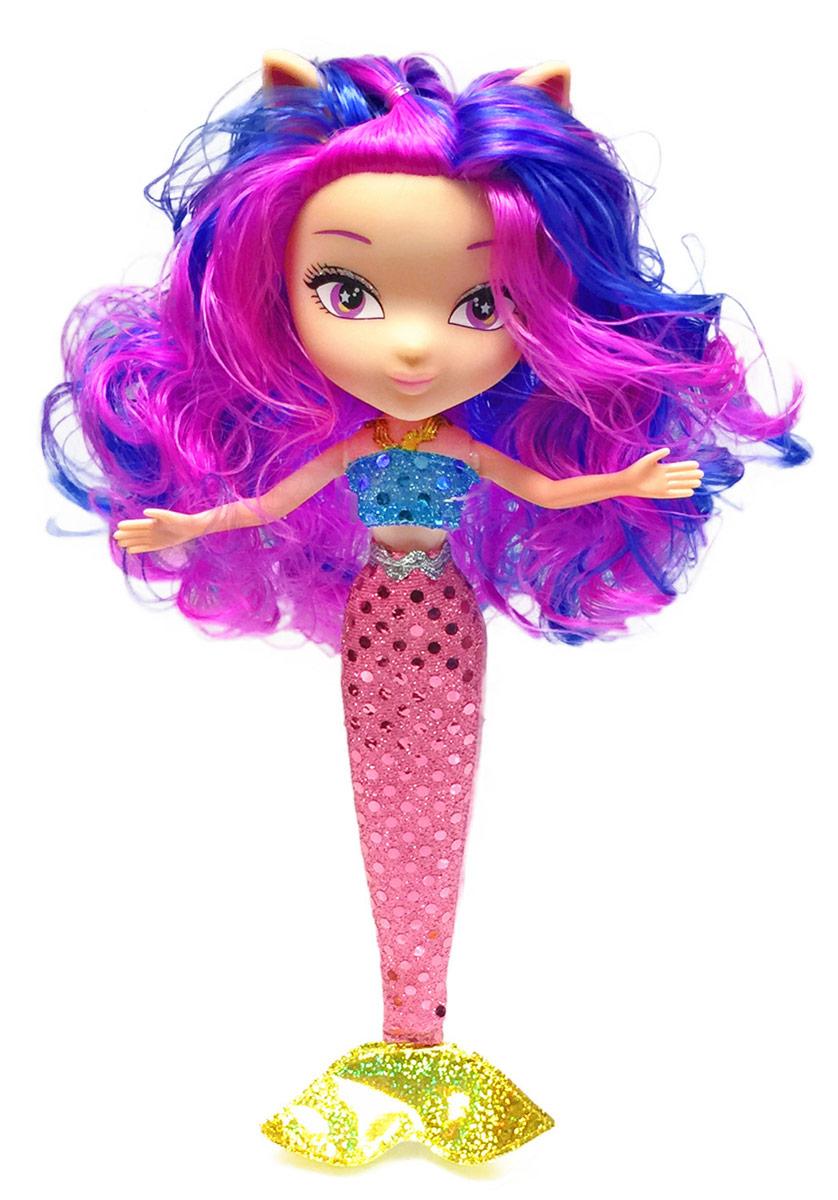 Daisy Кукла Китти-русалка41248Daisy Pets - это серия ярких и очень позитивных фантазийных кукол. Наши маленькие домашние питомцы обожают своих хозяев и всегда мечтают быть похожими на них: носить такие же красивые, яркие платья, делать стильные прически и наносить оригинальный макияж. Каждая из таких милых игрушек отличается от других своей оригинальностью и специфическим внешним видом, способным покорить сердце любого… Девочки просто в восторге от наших кукол с роскошными длинными цветными волосами! Их можно наряжать, причесывать и играть с ними, создавая свой волшебный мир! Каждая девочка сможет выбрать своего любимца
