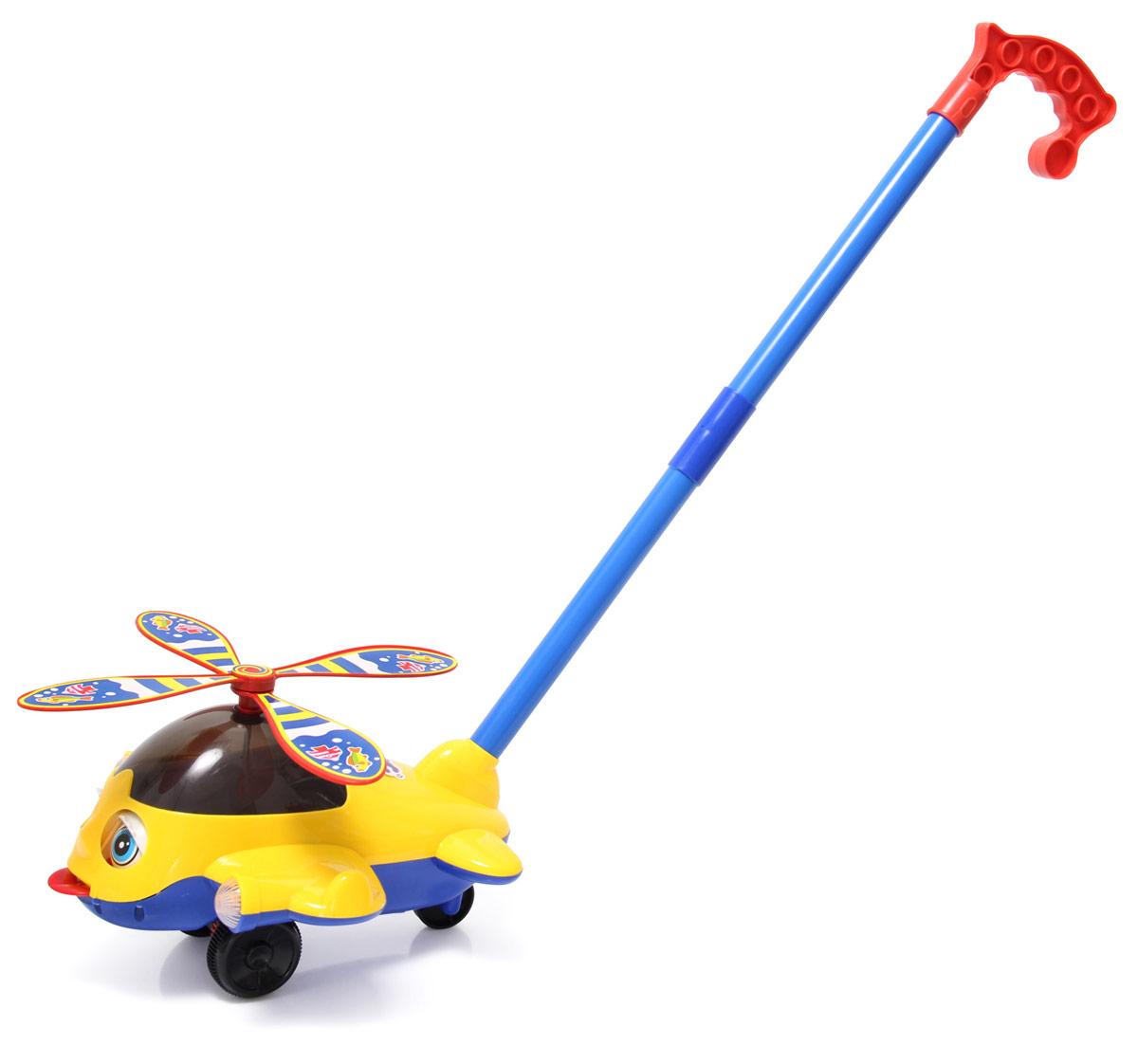 Ami&Co Игрушка-каталка Вертолет со светом44427Яркий и веселый вертолетик. Ребенок катает игрушку по полу - вертолет закрывает и открывает глазки, высовывая язык, пропеллер вращается по кругу. При катании игрушка издает звук, имитирующий взлет вертолета, играет забавная мелодия. Данная модель оснащенная световыми эффектами: габаритные огни на крыльях светятся, разноцветные огоньки в салоне. Кнопка включения на крыле. Требуются 2 батарейки типа АА. Палка (сборная) вставляется в игрушку. Детская складная каталка предназначена для малышей, которые уже начали ходить самостоятельно. Яркие, забавные образы принесут радость и веселье во время игр. Гремящие, шуршащие элементы развлекут вашего малыша. Модель поможет развить координацию движения, тактильные навыки и мелкую моторику рук ребенка, а издаваемые ею звуки активно стимулируют его слух. Данная модель оснащенная световыми и звуковыми эффектами: габаритные огни на крыльях светятся, разноцветные огоньки в салоне, веселая мелодия. Кнопка включения на крыле. Требуются 2 батарейки типа...