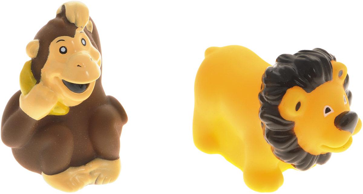 Жирафики Набор игрушек для ванной Лев и обезьянка 2 шт68863Набор игрушек для ванной Жирафики Лев и обезьянка привлечет внимание вашего малыша и не позволит ему скучать. При сжатии в руке забавные игрушки весело брызгаются предварительно набранной водой. Эти чудесные игрушки можно окунать в воду, мять, слюнявить, грызть, кидать. Выполненные из качественного, гипоаллергенного ПВХ-пластизоля, игрушки будут радовать малыша долгое время. Игрушки способствуют развитию мелкой моторики, сенсорного восприятия и воображения.