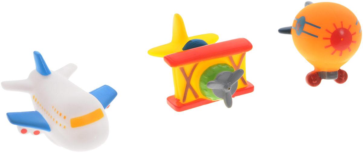 Жирафики Набор игрушек для ванной Авиатор 3 шт681059Набор игрушек для ванной Жирафики Авиатор привлечет внимание вашего малыша и не позволит ему скучать. При сжатии в руке забавные игрушки весело брызгаются предварительно набранной водой. В набор входят: старинный самолет, современный авиалайнер, дирижабль. Эти чудесные игрушки можно окунать в воду, мять, слюнявить, грызть, кидать. Выполненные из качественного, гипоаллергенного ПВХ-пластизоля, игрушки будут радовать малыша долгое время. Игрушки способствуют развитию мелкой моторики, сенсорного восприятия и воображения.