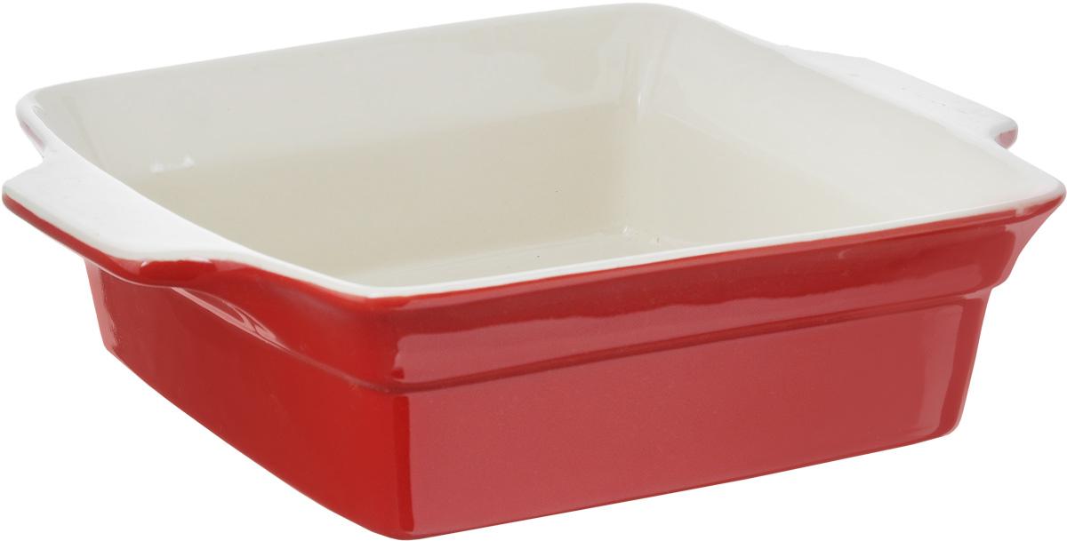 Форма для запекания Calve, прямоугольная, 25 х 19,5 см13-601Ни для кого не секрет, что у настоящей хозяйки красивая посуда не только та, в которой она подает свои блюда, но и та, в которой она готовит. Прямоугольная форма для запекания Calve выполнена из жаропрочной керамики и оснащена ручками. Изделие можно использовать в духовке, конвекционной и микроволновой печи, однако ее нельзя ставить на открытый огонь. Во время процесса приготовления посуда из керамики впитывает лишнюю влагу из продукта и хранит тепло. Такая форма подойдет для хранения блюда в холодильнике и морозильной камере. Продукты из холодильника в ней будут оставаться холодными еще долго - это связано с медленной теплоотдачей. Приятный глазу дизайн и отменное качество формы будут долго радовать вас, а угощения, приготовленные в этом блюде - ваших гостей. Внутренний формы (без учета ручек): 20 х 19,5 см. Размер формы (с учетом ручек): 25 х 19,5 см. Высота формы: 7 см.