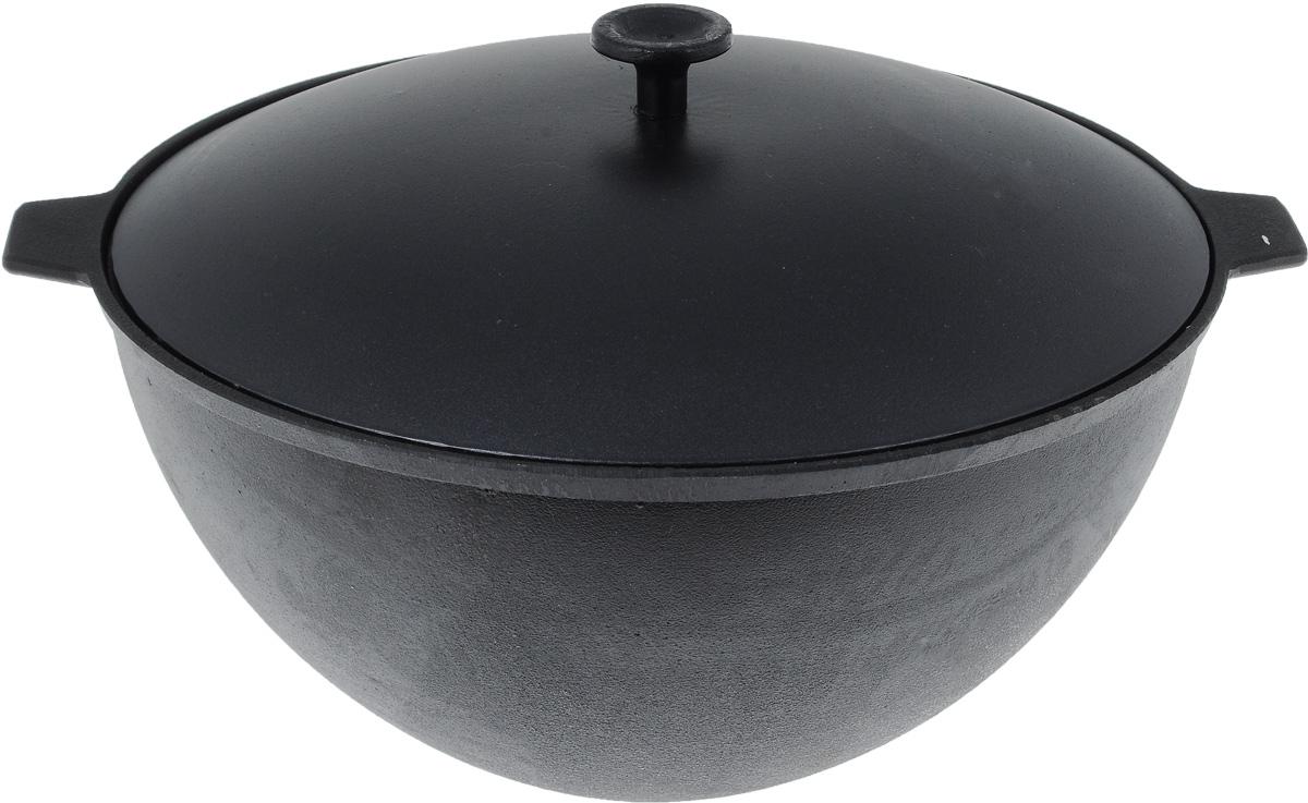 Казан чугунный Катюша с алюминиевой крышкой, 7 лказ70Казан Катюша изготовлен из качественного литого чугуна и снабжен алюминиевой крышкой. Изделие представляет собой большую кастрюлю с толстыми стенками и выпуклым дном. В казане можно приготовить много самых разнообразных блюд восточной кухни, но, наверное, самое известное и распространенное блюдо, которое готовится в казане, это любимый многими плов. Чугунный казан хорош тем, что блюда в нем никогда не пригорают. Чугун при нагревании обеспечивает лучшее распределение тепла, даже при сравнении с современными материалами. И это его качество позволяет приготовить вкусные блюда отменного качества. Еще одной важной особенностью чугунного казана является то, что его толстые стенки позволяют приготовленному блюду долго оставаться теплым, что особенно важно, если вы готовите еду на природе. Запрещается мыть в посудомоечной машине. Высота стенки: 15,5 см.