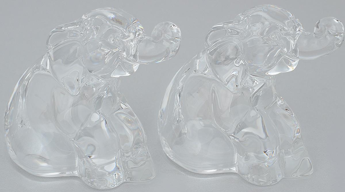 Набор для специй Crystal Bohemia Слон, 2 шт990/78468/0/58900/074-209Набор для специй Crystal Bohemia Слон состоит из солонки и перечницы. Изделия выполнены из высококачественного хрусталя в виде слона. Солонка и перечница легки в использовании: стоит только перевернуть емкости, и вы с легкостью сможете поперчить или добавить соль по вкусу в любое блюдо. Набор для специй Crystal Bohemia Слон будет прекрасным украшением вашего стола. Размер солонки/перечницы: 5,5 х 6,5 х 7 см.