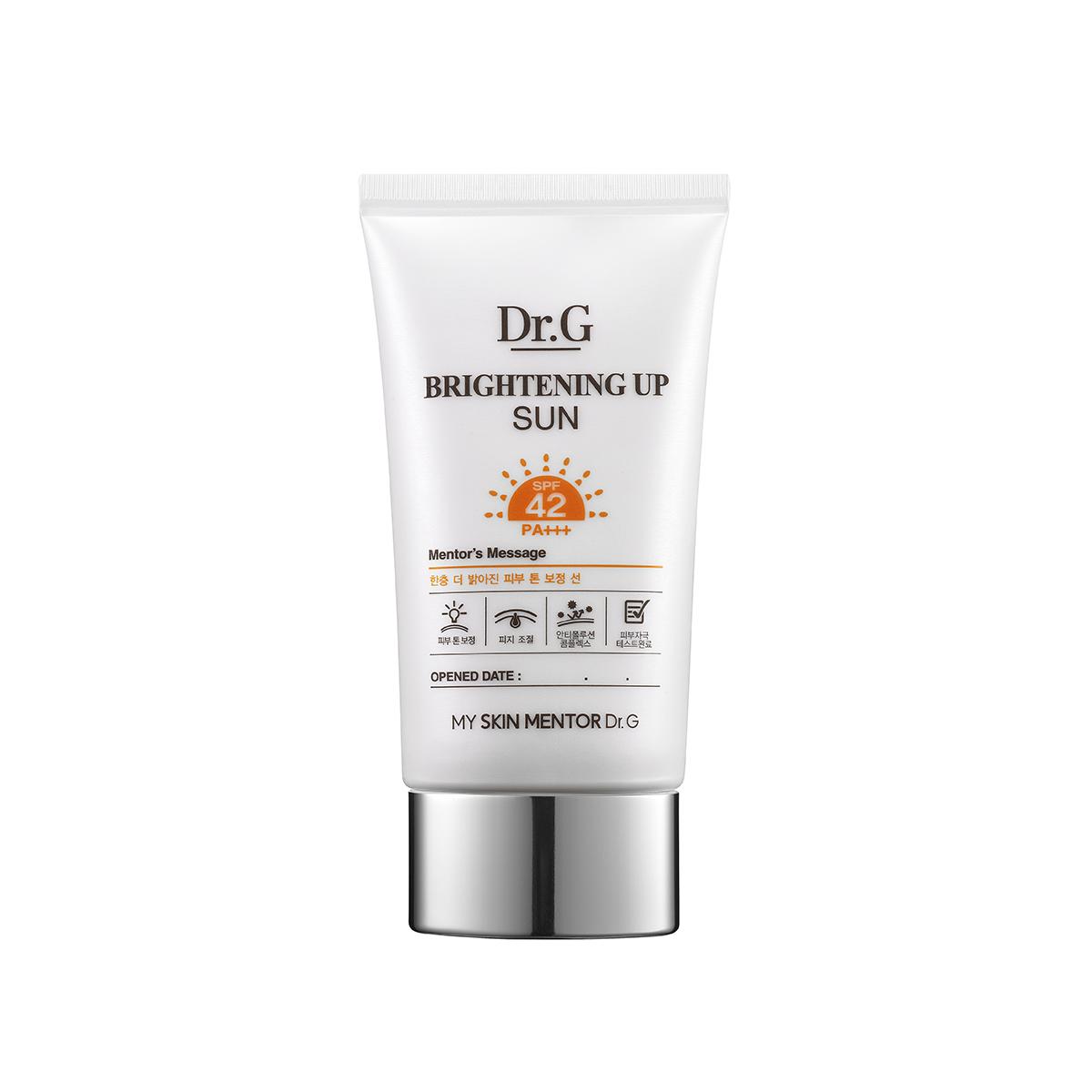 Dr. G Крем солнцезащитный для яркости кожи SPF42PA+++ Sun, 50 млDG134557Солнцезащитный крем обладает успокаивающими, укрепляющими и регенерирующими свойствами. Защищает от солнца, глубоко увлажняет кожу, защищает от проявления пигментации и венушек. Гипоаллергенная формула протестирована на чувствительной коже под дерматологическим контролем. Солнцезащитный крем не оставляет белесого тона кожи.