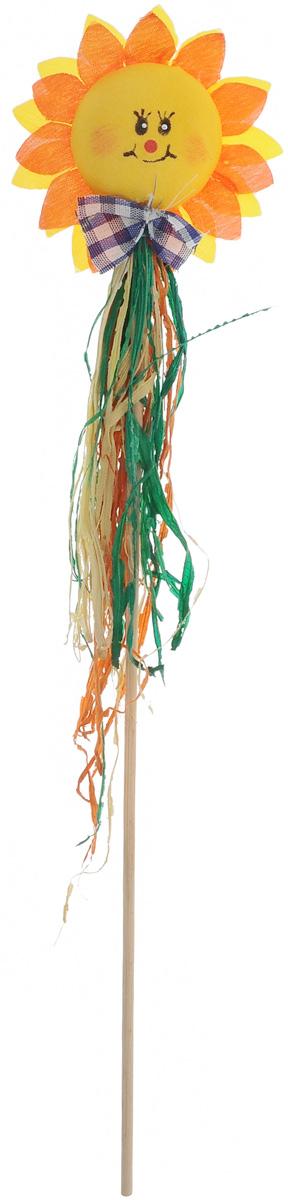 Украшение на ножке Village people Соломенные цветы, цвет: желтый, оранжевый, зеленый, высота 32 см66943_5_желтый, ярко-оранжевыйУкрашение на ножке Village People Соломенные цветы предназначено для декорирования садового участка, грядок, клумб, домашних цветов в горшках, а также для поддержки и правильного роста растений. Изделие выполнено из соломы, хлопка и дерева в виде декоративного цветка на ножке. Диаметр украшения: 7,5 см.