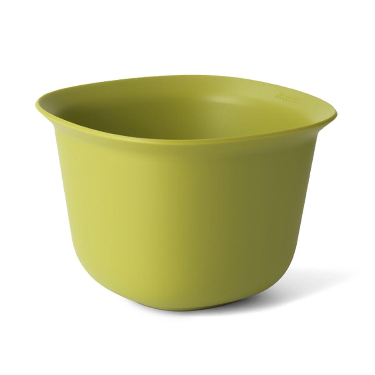 Салатник Brabantia Tasty Colours 1,5л110009Миска средней вместимости идеально подходит для приготовления соусов, заправок и небольших салатов. Экономия места на кухне – изделия составляются одно в другое; Легко моется – можно мыть в посудомоечной машине; Специальная форма краев позволяет удобно и аккуратно наливать жидкие ингредиенты; Отличная устойчивость – нескользящее основание; Гарантия 5 лет.