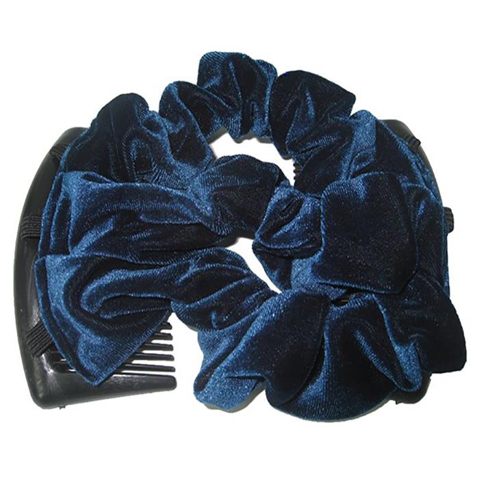 Montar Заколка Монтар, синяяЗМТ_сУдобная и практичная MONTAR напоминает Изи Коум. Подходит для любого типа волос: тонких, жестких, вьющихся или прямых, и не наносит им никакого вреда. Заколка не мешает движениям головы и не создает дискомфорта, когда вы отдыхаете или управляете автомобилем. Каждый гребень имеет по 20 зубьев для надежной фиксации заколки на волосах! И даже во время бега и интенсивных тренировок в спортзале Изи Коум не падает; она прочно фиксирует прическу, сохраняя укладку в первозданном виде. Небольшая и легкая заколка поместится в любой дамской сумочке, позволяя быстро и без особых усилий создавать неповторимые прически там, где вам это удобно. Гребень прекрасно сочетается с любой одеждой: будь это классический или спортивный стиль, завершая гармоничный облик современной леди. И неважно, какой образ жизни вы ведете, если у вас есть MONTAR, вы всегда будете выглядеть потрясающе. Применение: 1) Вставьте один из гребней под прическу вогнутой стороной к поверхности головы. ...
