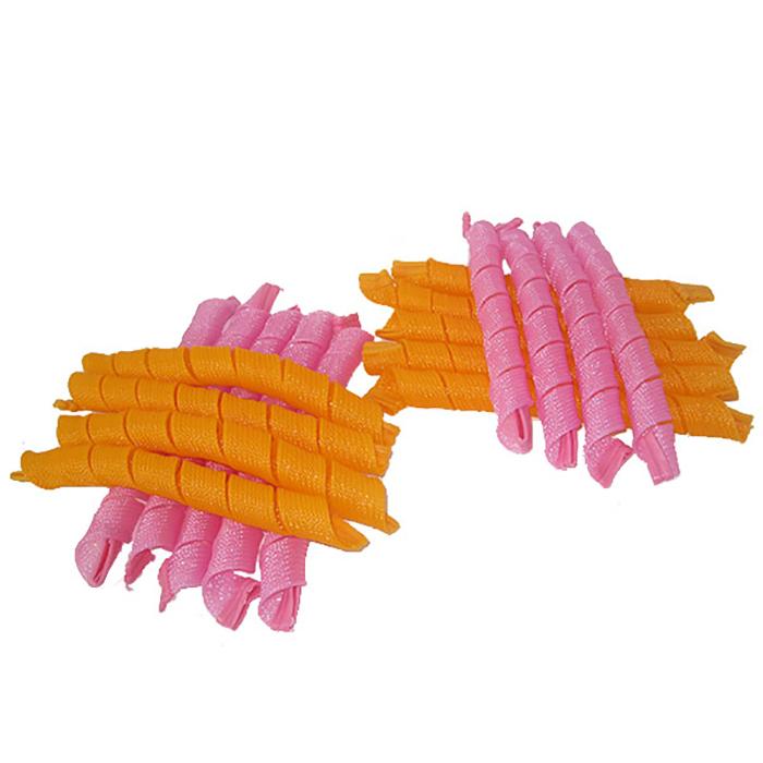 Magic Leverage Волшебные бигуди Длинные 50 см, 18 штД50Комплект из 18 длинных бигуди. Сетчатая основа и мягкие силиконовые наконечники прочно удерживаются на пряди. Вы можете оставить накрученные волосы на всю ночь или высушить влажные волосы феном. Прическа, сделанная на волшебных бигуди Magic Leverag лежит объемнее и держится дольше, чем обычно. Средние-длинные бигуди прекрасно подойдут обладательницам роскошных длинных волос. С ними вы сможете отказаться от скучного конского хвоста и экспериментировать, не выходя из дома. Характеристики: Длина: 50 см Ширина локона: 2 см Диаметр завитка: 2 см Количество: 18 шт. Крючок: двойной Упаковка: косметичка