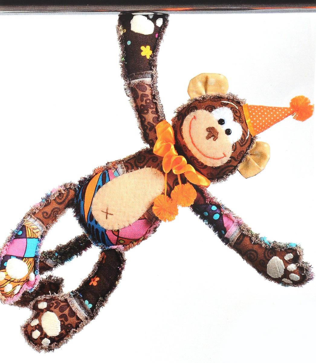 Набор для создания игрушки Перловка Обезьянка Анфиса, длина 25,5 смПМ805Набор Перловка Обезьянка Анфиса поможет создать забавную игрушку-грелку в виде обезьянки. Исстари в самодельную игрушку вкладывали глубокий смысл и особенно ценили. Наши куклы согревают, поднимают настроение и украшают интерьер. Это оберег, талисман, символ чувств и эмоций мастера. Кукла, сделанная своими руками - лучший подарок своим детям и друзьям. В набор входит: - хлопковая ткань; - нитки для вышивки и декорирования; - фетр; - магниты в лапы; - атласная тесьма; - кнопка; - фурнитура для глаз; - листы с выкройками; - инструкция на русском языке. Дополнительно вам понадобиться синтепон или синтепух.