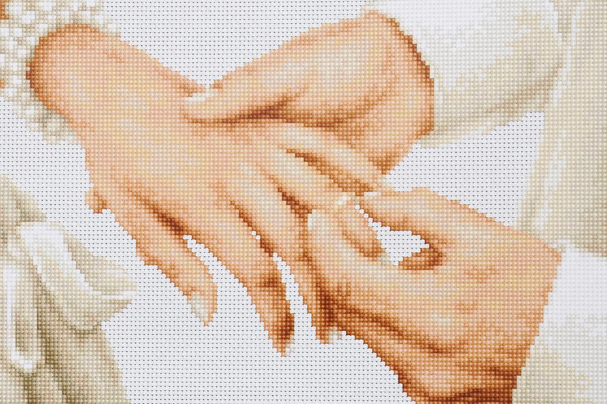 Набор для вышивания крестом Luca-S Навсегда, 20,5 х 13,5 смB2276Набор для вышивания крестом Luca-S Навсегда поможет создать красивую вышитую картину. Рисунок-вышивка, выполненный на канве, выглядит стильно и модно. Вышивание отвлечет вас от повседневных забот и превратится в увлекательное занятие! Работа, сделанная своими руками, не только украсит интерьер дома, придав ему уют и оригинальность, но и будет отличным подарком для друзей и близких! Набор содержит все необходимые материалы для вышивки на канве в технике счетный крест. В набор входит: - канва Aida №18 Zweigart (белого цвета), - мулине Anchor (20 цветов), - черно-белая символьная схема, - инструкция на русском языке, - игла. Размер готовой работы: 20,5 х 13,5 см. Размер канвы: 31,5 х 24 см.