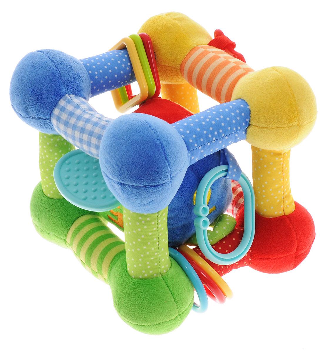 Жирафики Развивающая игрушка Куб93834Развивающая игрушка Жирафики Куб, выполненная из современных и легких материалов различных цветов и фактур, абсолютно безопасных для ребенка, непременно понравится малышу и не позволит ему скучать. Внутри куба находится другой куб меньшего размера. Игрушки изготовлены из приятного на ощупь материала с различными рисунками и игровыми элементами - это и пластиковые фигуры разных форм, пищалки, вышитые цифры, погремушка и прорезыватель. Игра с кубиком поможет малышу развить тактильное, звуковое и цветовое восприятия, координацию движений и мелкую моторику рук с самого рождения.