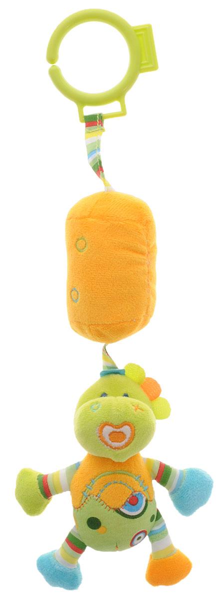 Жирафики Игрушка-подвеска Динозаврик цвет светло-зеленый оранжевый93925Забавная развивающая игрушка-подвеска Жирафики Динозаврик поднимет вашему малышу настроение и непременно вызовет улыбку! Игрушка выполнена из мягкого, приятного на ощупь материала различных фактур в виде динозаврика с мягким цилиндром. Внутри цилиндра имеется погремушка, которая весело гремит при встряхивании. С помощью пластикового кольца игрушка может крепиться к кроватке или коляске. Игрушка очень удобна для маленьких детских ручек. Малыш сможет ее держать, перекладывать из одной ручки в другую. Игрушка способствует развитию слухового, зрительного и эмоционального восприятия, тактильных ощущений, мелкой моторики.