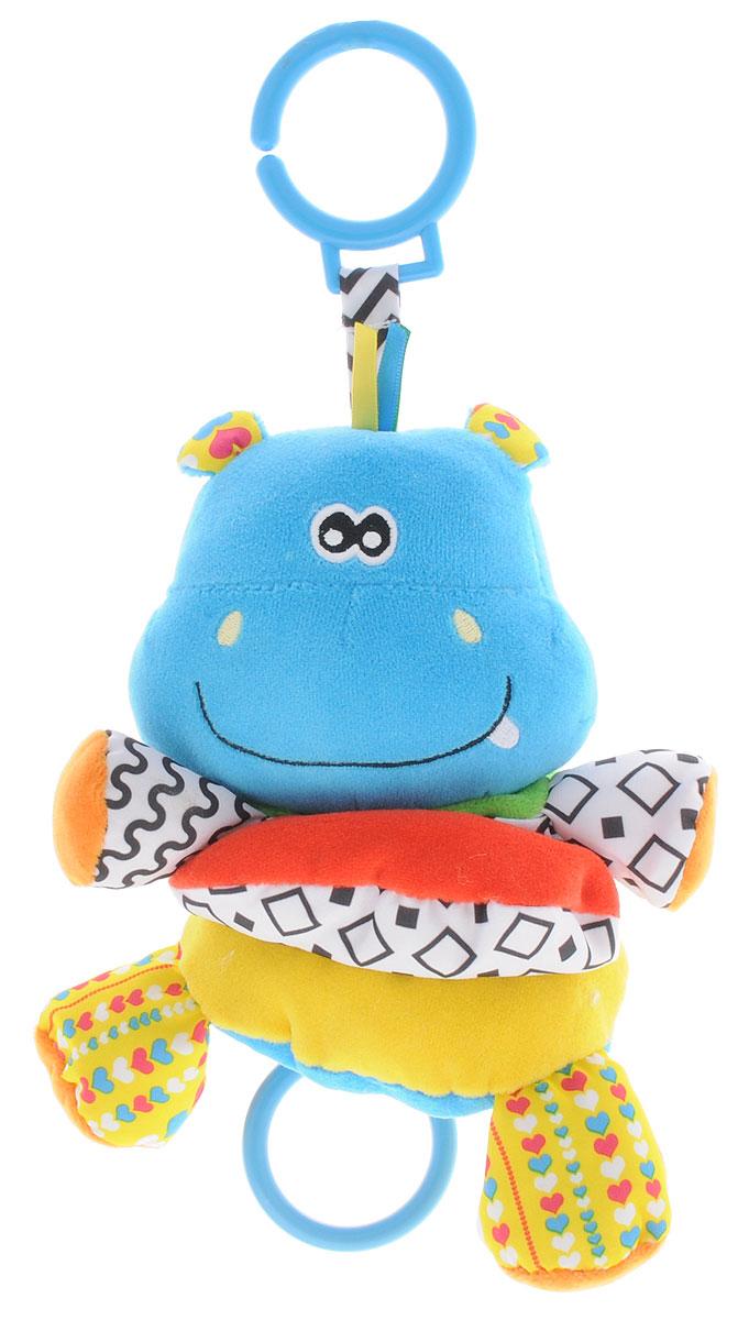Жирафики Музыкальная игрушка-подвеска Бегемот93942Музыкальная игрушка-подвеска Жирафики Бегемот выполнена из материалов различной фактуры в виде подвески-растяжки. Как же весело и интересно ее рассматривать! Но держать ее в маленьких ручках еще интереснее, ведь она таит в себе столько приятных сюрпризов и столько удивительных открытий! К игрушке крепится текстильная веревочка. Если потянуть вниз за пластиковое кольцо, то ваш малыш будет слушать колыбельную до тех пор, пока веревочка не вернется в исходное положение. С помощью пластикового незамкнутого кольца игрушку можно подвесить к кроватке, коляске, автокреслу или игровой дуге малыша. Игрушка-подвеска поможет ребенку в развитии цветового и звукового восприятия, концентрации внимания, мелкой моторики рук, координации движений и тактильных ощущений.