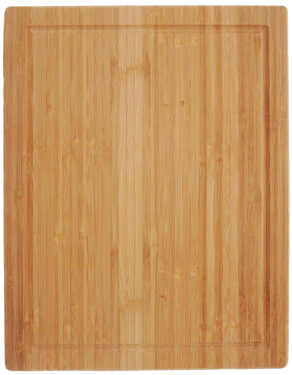 Доска разделочная Zeller, 38,5 х 30 см25247Многофункциональная разделочная доска Zeller изготовлена из высококачественного бамбука. Одна сторона изделия предназначена для нарезки хлеба и хлебобулочных изделий. А другая - для разделывания большого количества продуктов. Оснащена по краю канавкой, благодаря которой сок от продуктов не попадает при резке на столешницу. Функциональная и простая в использовании разделочная доска Zeller прекрасно впишется в интерьер любой кухни и прослужит вам долгие годы. Не рекомендуется мыть в посудомоечной машине. Размер доски: 38,5 х 30 х 3 см.