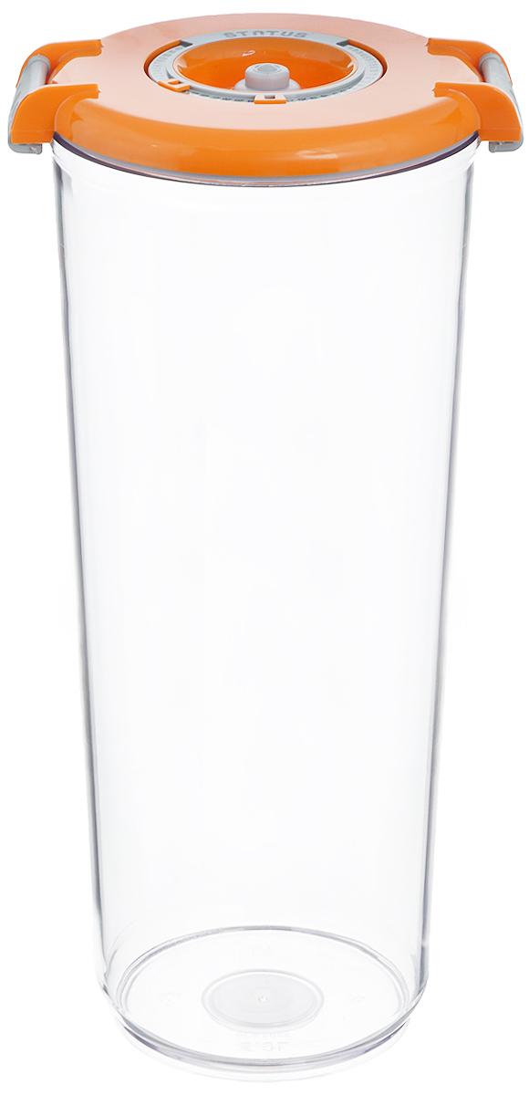 Контейнер вакуумный Status, с индикатором даты срока хранения, цвет: прозрачный, оранжевый, 2,5 лVAC-RD-25 OrangeВакуумный контейнер Status выполнен из хрустально-прозрачного прочного тритана. Благодаря вакууму, продукты не подвергаются внешнему воздействию, сохраняют свои вкусовые качества и аромат, срок их хранения значительно увеличивается, а запахи в холодильнике не перемешиваются. Допускается замораживание до -21°C, мойка контейнера в посудомоечной машине, разогрев в СВЧ (без крышки). Идеально подходит для хранения макаронных изделий, круп, муки. Контейнер имеет индикатор даты, который позволяет отмечать дату конца срока годности продуктов. Размер контейнера (с учетом крышки): 13 х 13 х 29,5 см.