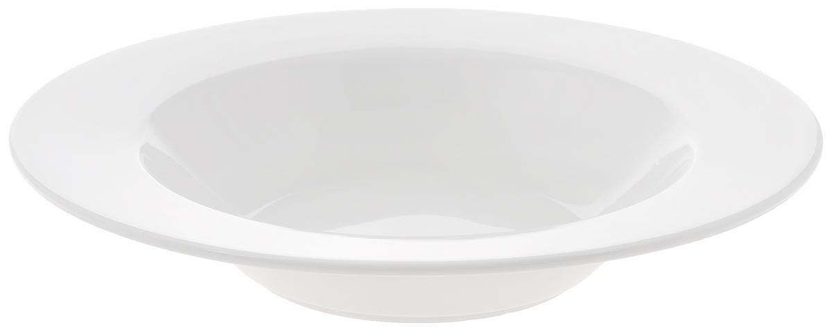 Тарелка глубокая Wilmax, диаметр 28 см. WL-991255WL-991255Глубокая тарелка Wilmax, выполненная из высококачественного фарфора, имеет классическую круглую форму и предназначена для красивой сервировки обеденного стола. Она прекрасно впишется в интерьер вашей кухни и станет достойным дополнением к кухонному инвентарю. Тарелка Wilmax подчеркнет прекрасный вкус хозяйки и станет отличным подарком для вас и ваших близких. Можно мыть в посудомоечной машине и использовать в микроволновой печи. Диаметр тарелки (по верхнему краю): 28 см. Объем: 750 мл.