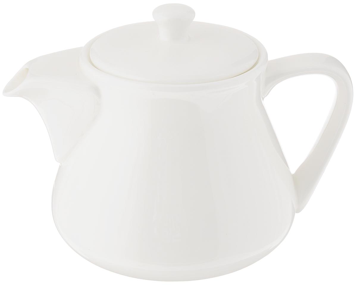 Чайник заварочный Wilmax, 750 млWL-994002 / 1CЗаварочный чайник Wilmax изготовлен из высококачественного фарфора. Глазурованное покрытие обеспечивает легкую очистку. Изделие прекрасно подходит для заваривания вкусного и ароматного чая, а также травяных настоев. Ситечко в основании носика препятствует попаданию чаинок в чашку. Оригинальный дизайн сделает чайник настоящим украшением стола. Он удобен в использовании и понравится каждому. Можно мыть в посудомоечной машине и использовать в микроволновой печи. Диаметр чайника (по верхнему краю): 7 см. Высота чайника (без учета крышки): 11 см.
